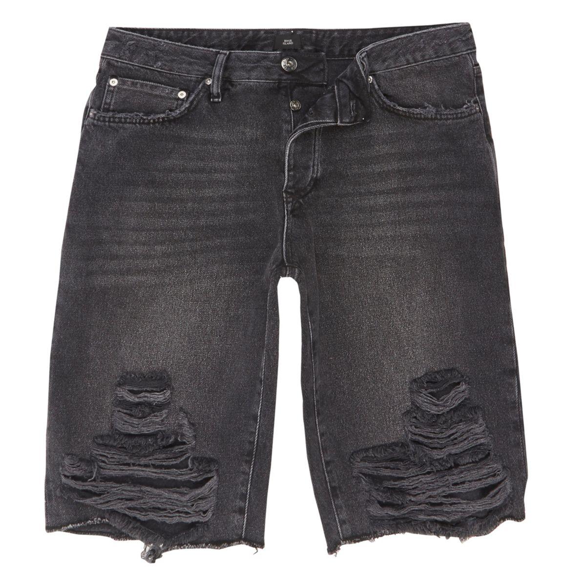 Zwart wash denim short met scheur in de knie