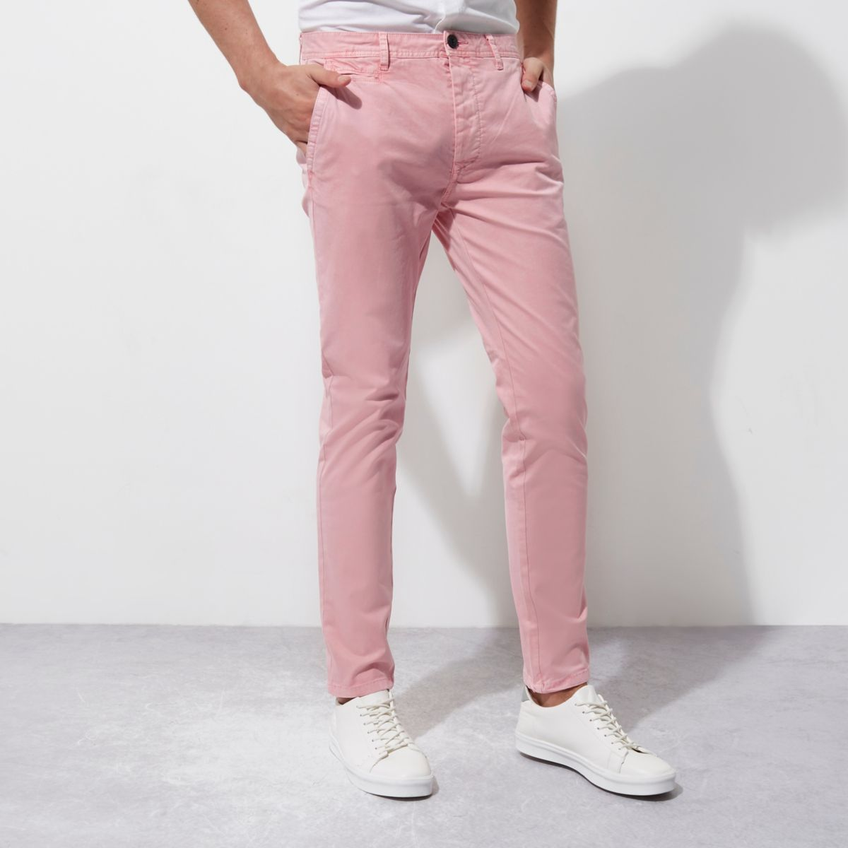 Pantalon chino rose coupe skinny