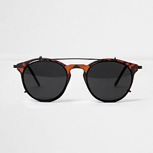 Bruine ronde zonnebril met donkere glazen