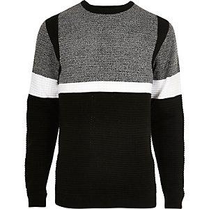 Schwarzer Slim Fit Pullover mit Kontraststreifen