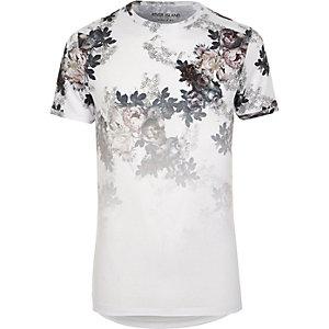 T-shirt ajusté à imprimé floral délavé blanc