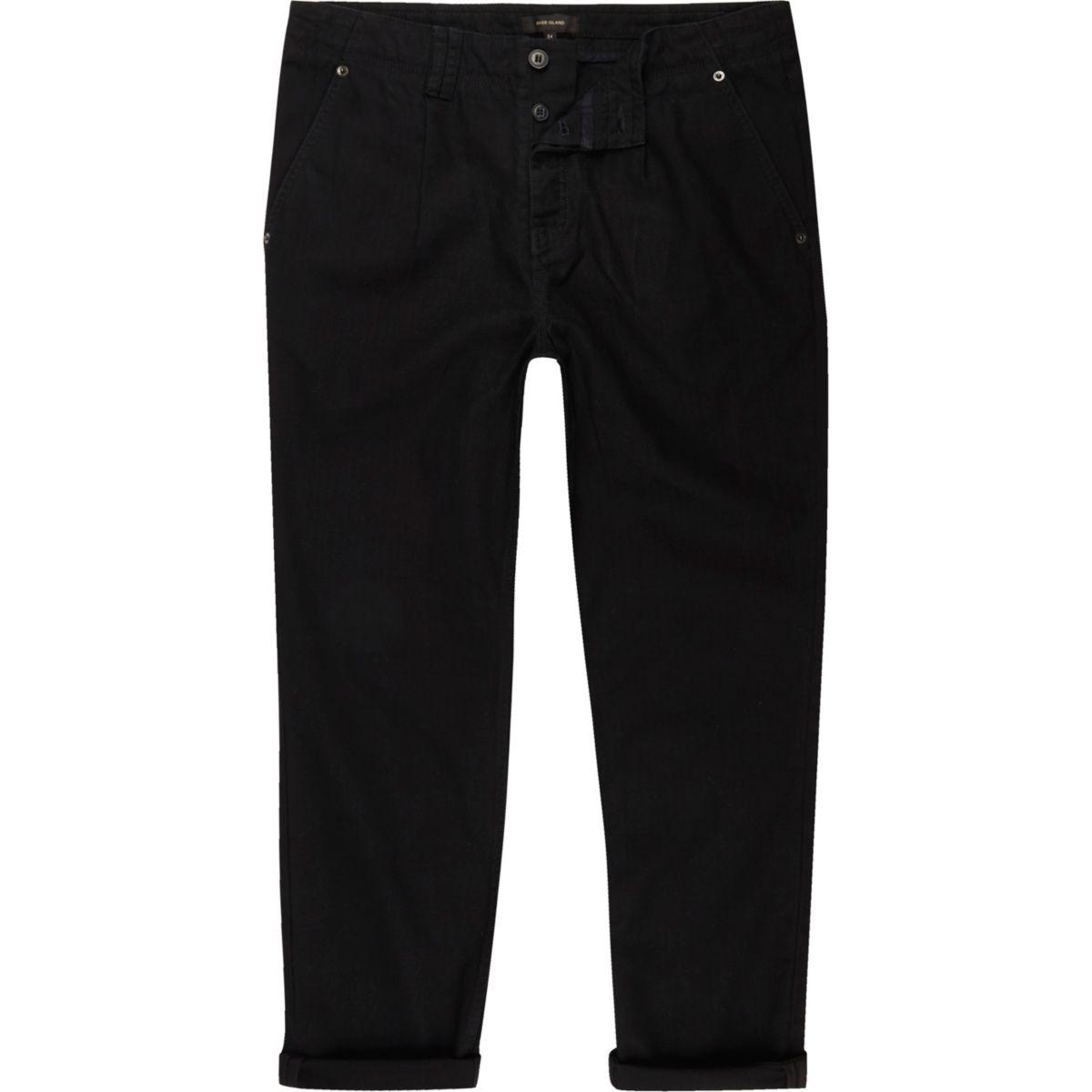 Schwarze Hose mit weitem Bein