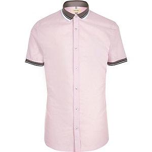 Chemise slim rose à manches courtes et col côtelé
