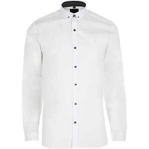White bar penny collar skinny fit shirt