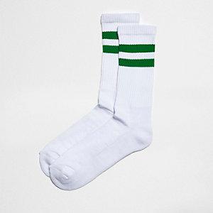 Chaussettes tubes rayées vertes et blanches