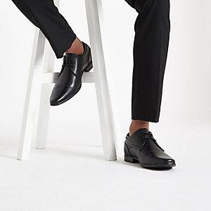 Zwarte spitse nette veterschoenen