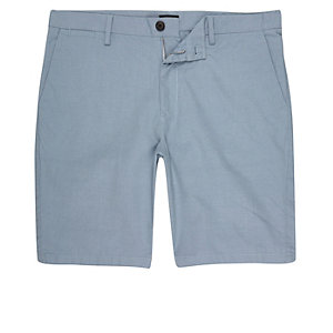 Short bleu clair coupe slim