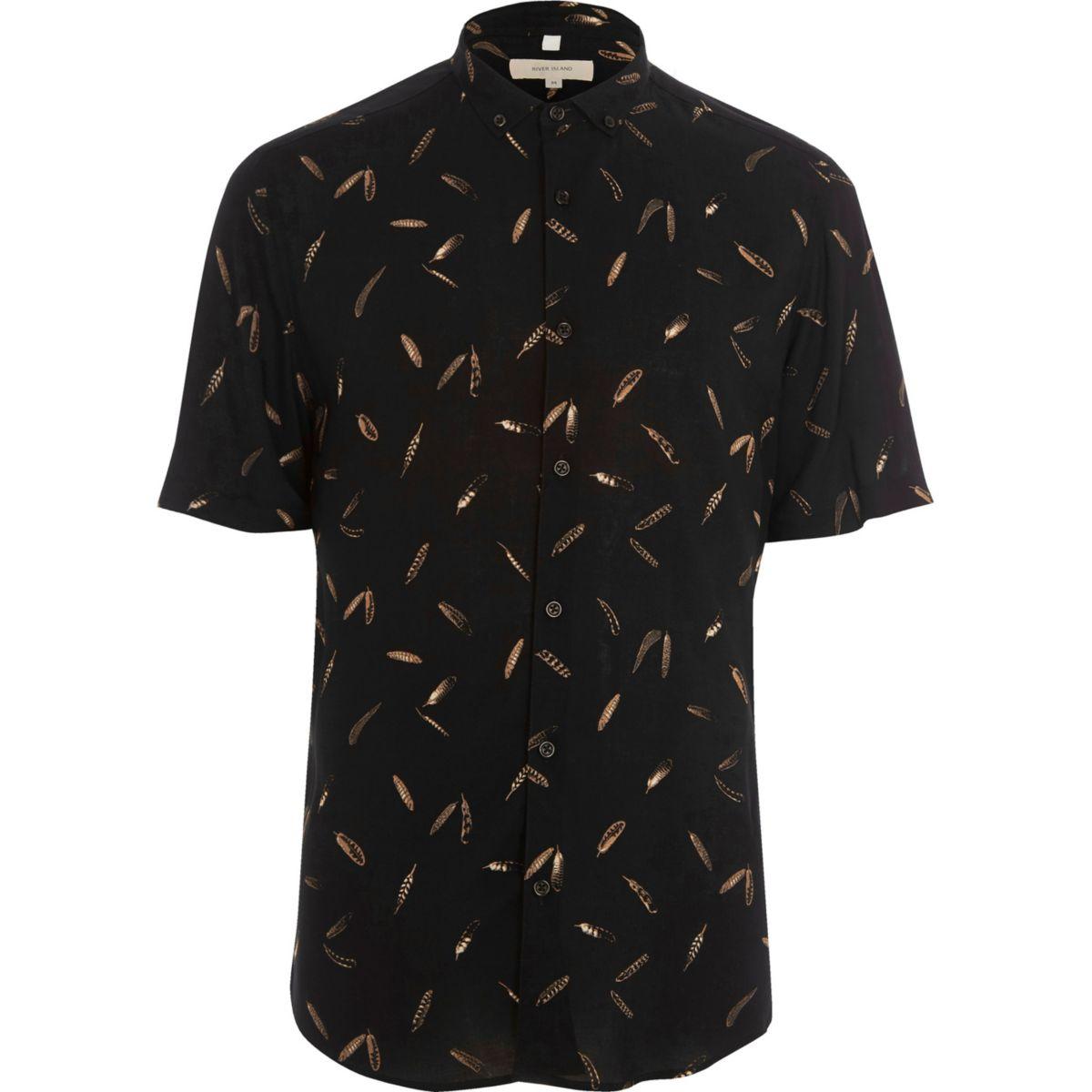 Chemise slim noire motif plumes à manches courtes