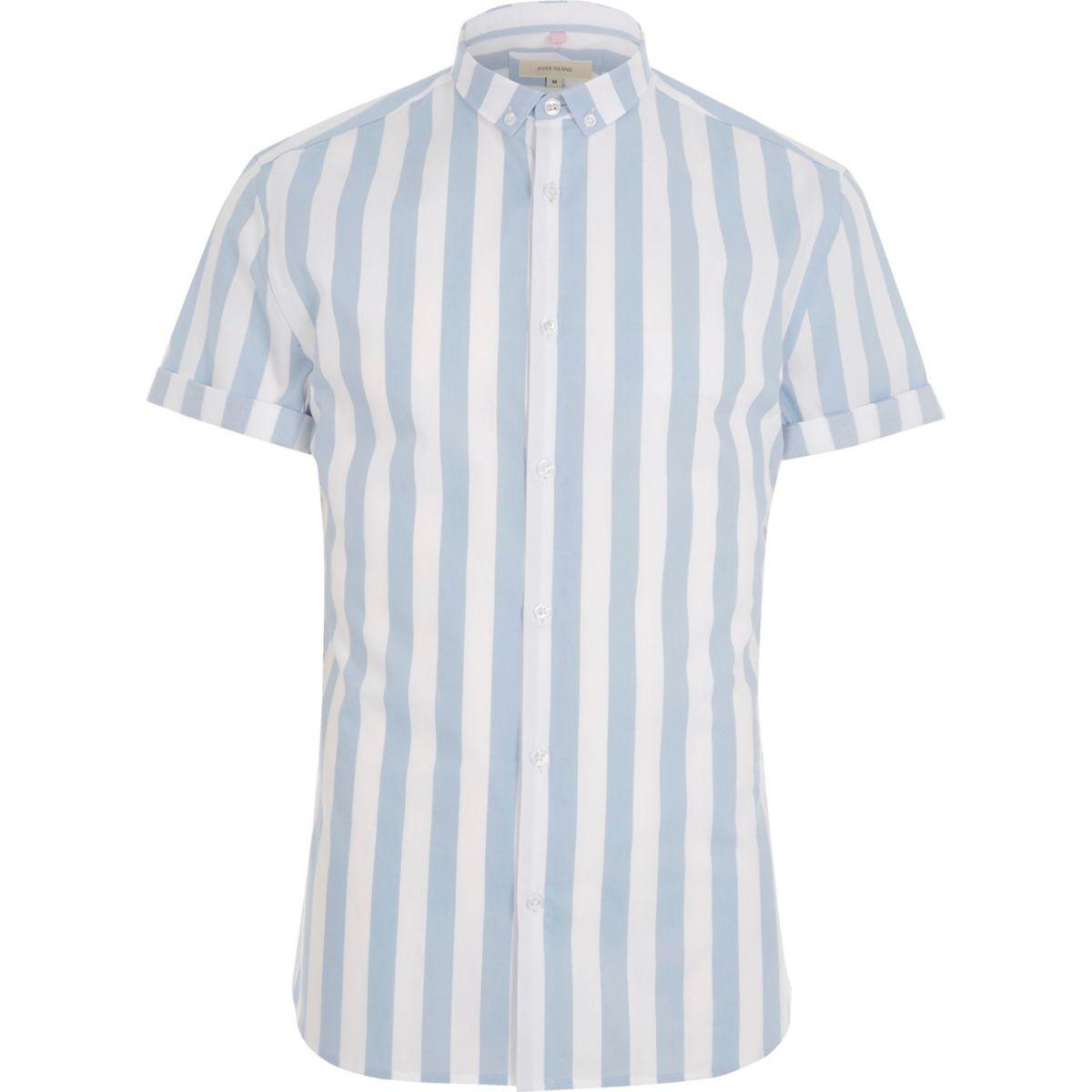 Blaues, kurzärmliges Muscle Fit Hemd