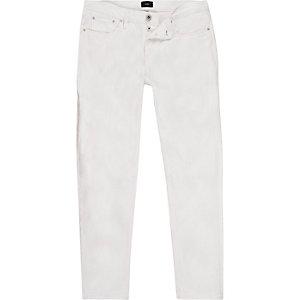 Witte slim-fit jeans met smaltoelopende pijpen
