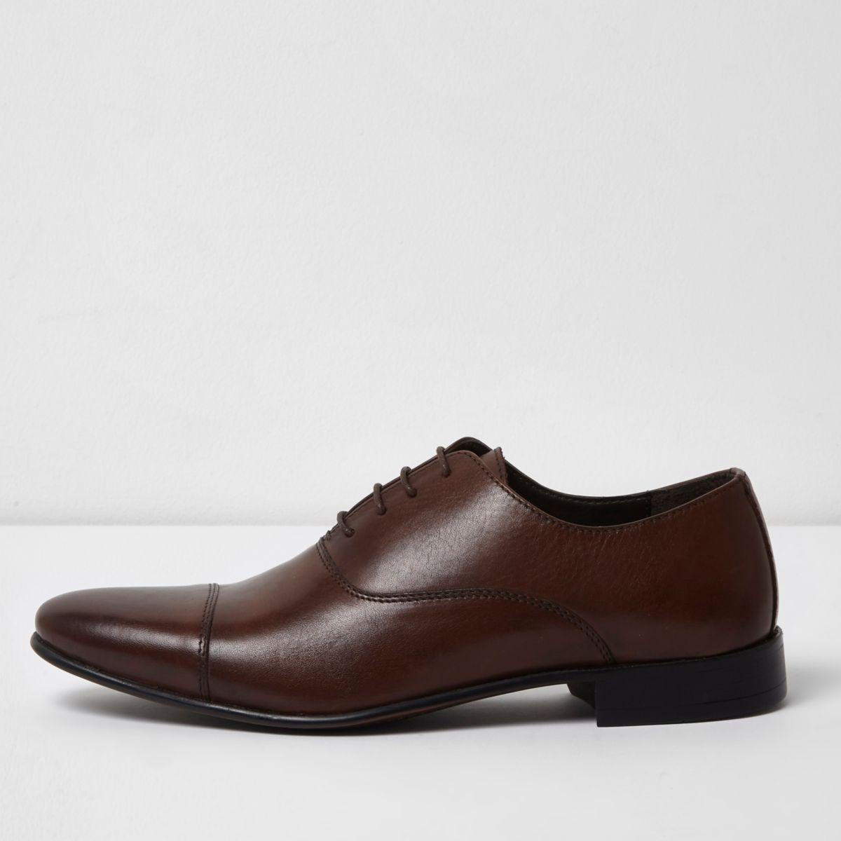 Chaussures Oxford en cuir marron foncé avec bout rapporté