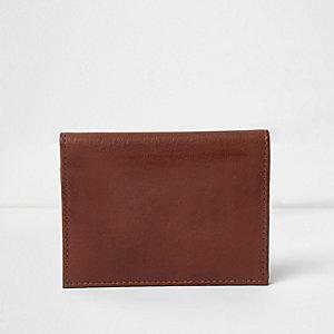 Porte-cartes en cuir marron imprimé « one way »
