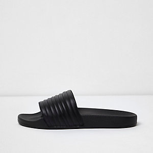 Black ribbed sliders