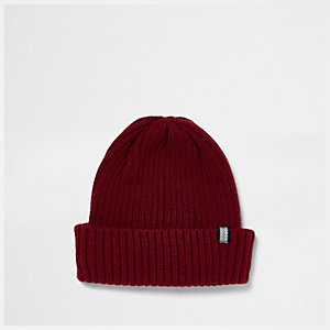 Rote Beanie-Mütze