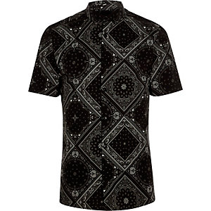 Black bandana skinny fit short sleeve shirt
