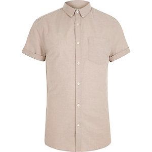 Kiezelkleurig aansluitend Oxford overhemd met korte mouwen