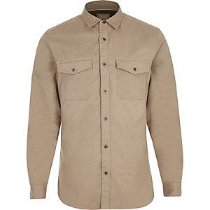 Kiezelkleurig aansluitend overhemd in legerlook met lange mouwen