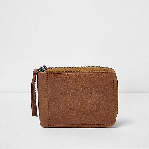 Tan zip around wallet