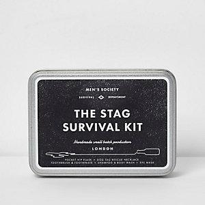 Men's Society –  « The Stag Survival Kit », enterrement vie de garçon