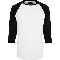 T-shirt noir à manches trois-quarts raglan
