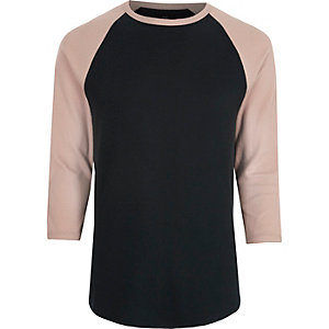 T-shirt rose à manches trois-quarts raglan
