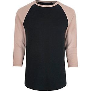 Roze T-shirt met driekwarts raglanmouwen