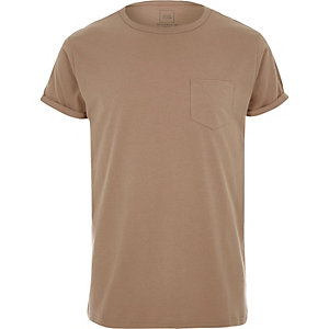 Camel rolled sleeve pocket T-shirt