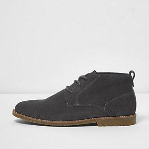 Chukka - Donkergrijze suède boots