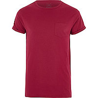 T-shirt rose framboise à manches retroussées avec poche