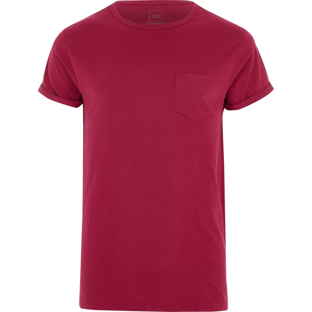 Bessenrood T-shirt met zakje en omgeslagen mouwen