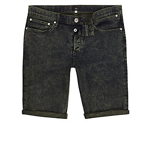 Dunkelgrüne Skinny Jeansshorts in Acid-Waschung