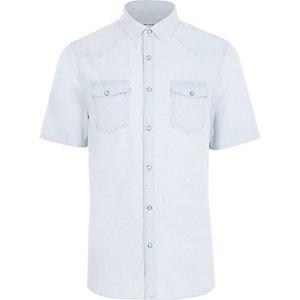 Lichtblauw gebleekt denim overhemd met korte mouwen