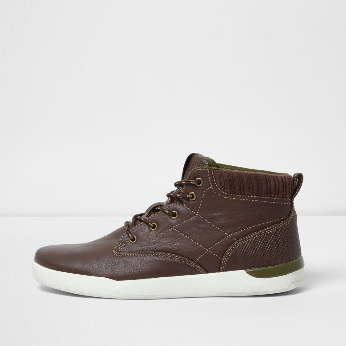 Donkerbruine hoge sneakers met vetersluiting