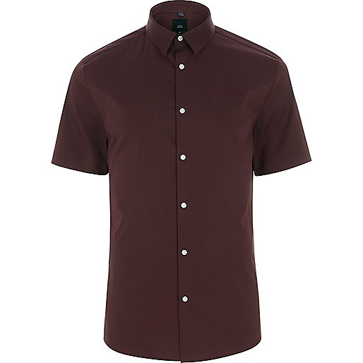 Burgundy short sleeve muscle fit shirt
