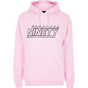 Roze hoodie met 'nineteen ninety'-print