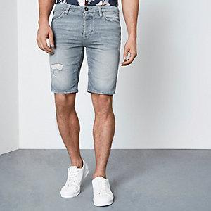 Short en jean skinny à délavage gris clair