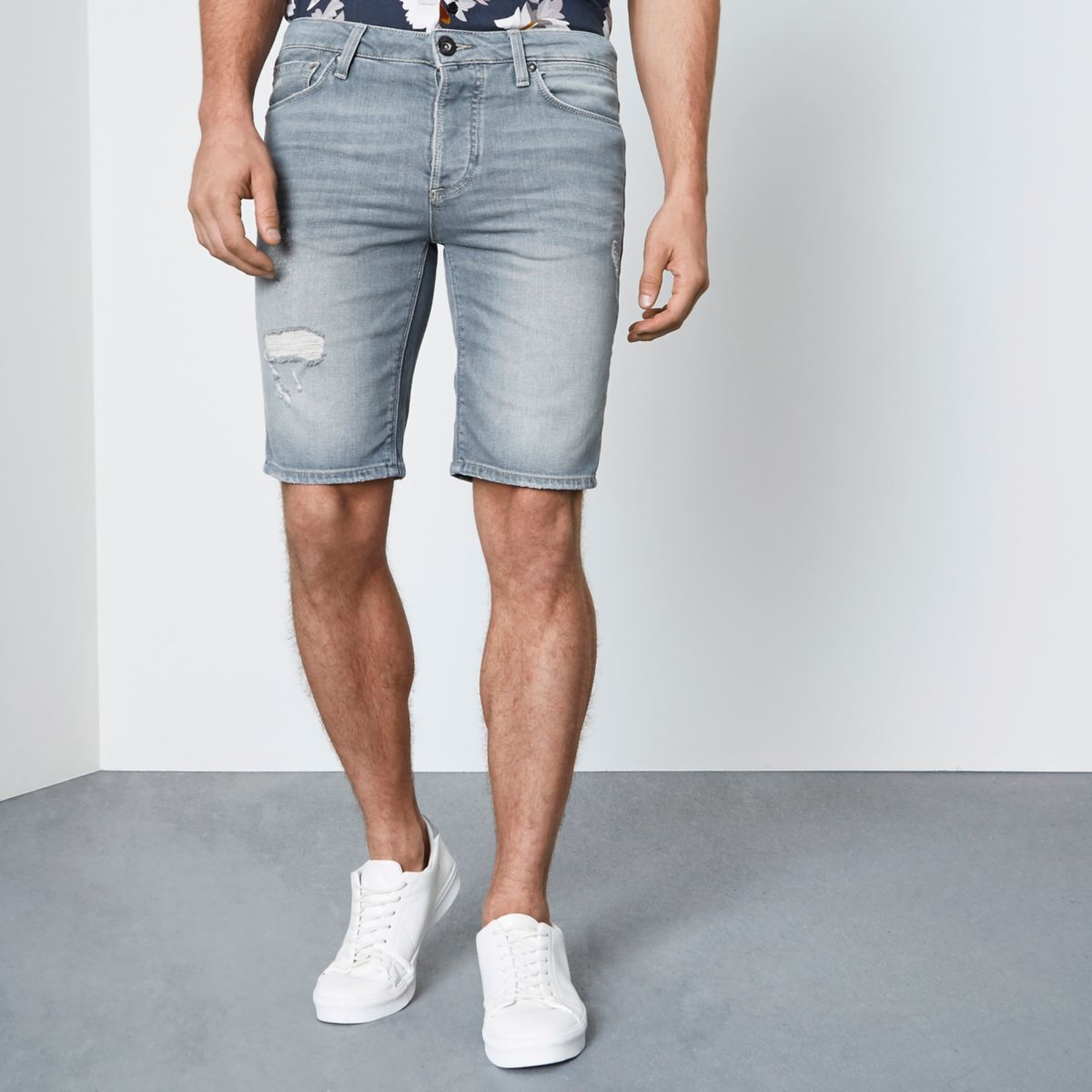 Ice grey wash skinny fit denim shorts