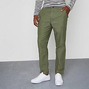 Pantalon chino fuselé vert kaki