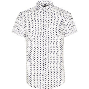 White paisley muscle fit short sleeve shirt