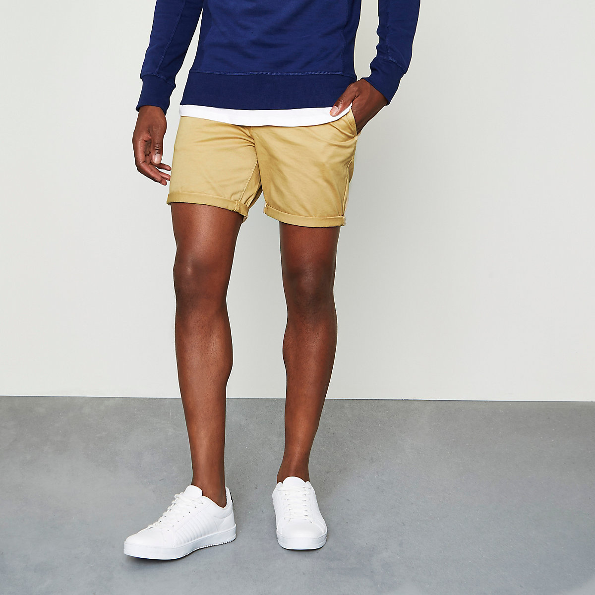 Light brown rolled hem chino shorts