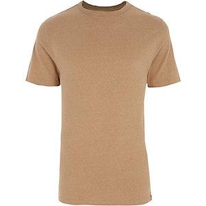 Camelkleurig aansluitend T-shirt met ronde hals