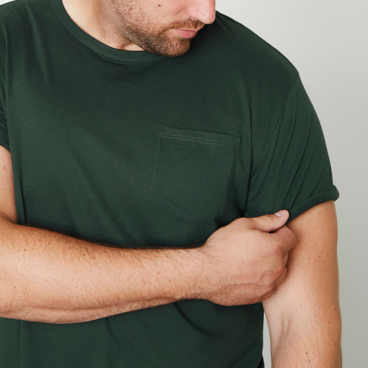 Big and Tall - Donkergroen T-shirt met opgerolde mouwen