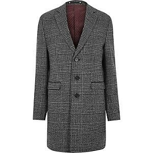Grauer, eleganter Mantel mit Karos