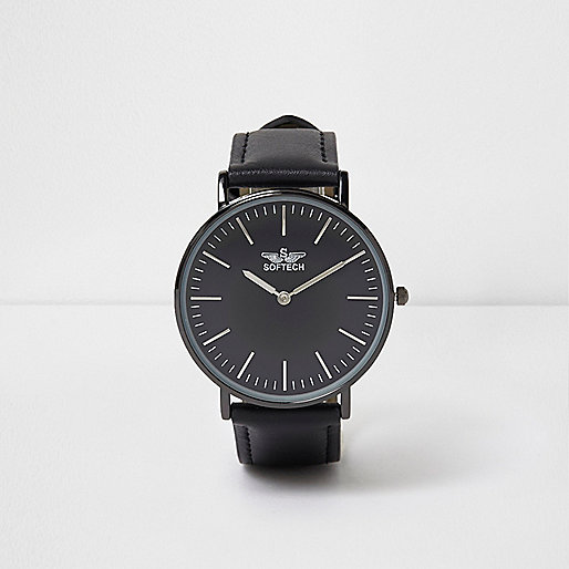 Black strap round face watch