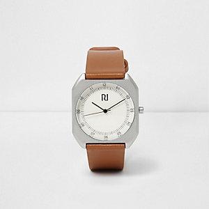 Horloge met zilverkleurige kast en bruin bandje
