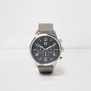 Montre à cadran rond noir et bracelet gris