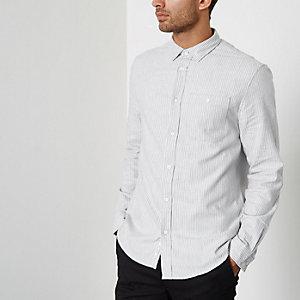 Grijs gestreept nauwaansluitend overhemd met lange mouwen