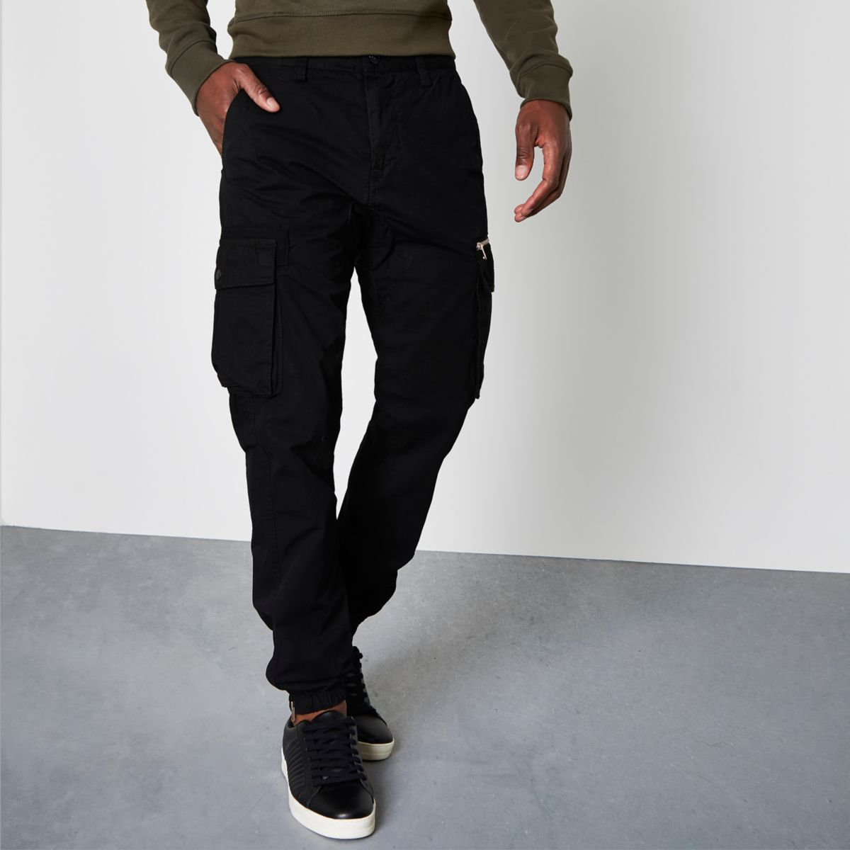 Black cargo jogger pants