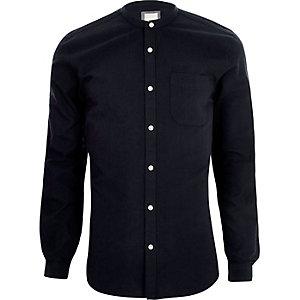 Marineblauw slim-fit overhemd zonder kraag met lange mouwen