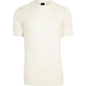 Wit geribbeld aansluitend T-shirt